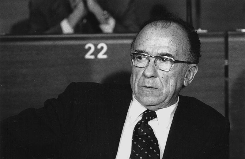 Santiago Carrillo, líder del PCE durante el golpe de estado del 23F. Autor: Claude Truong-Ngoc, 1979. Fuente: Wikimedia Commons (CC BY-SA 3.0.)