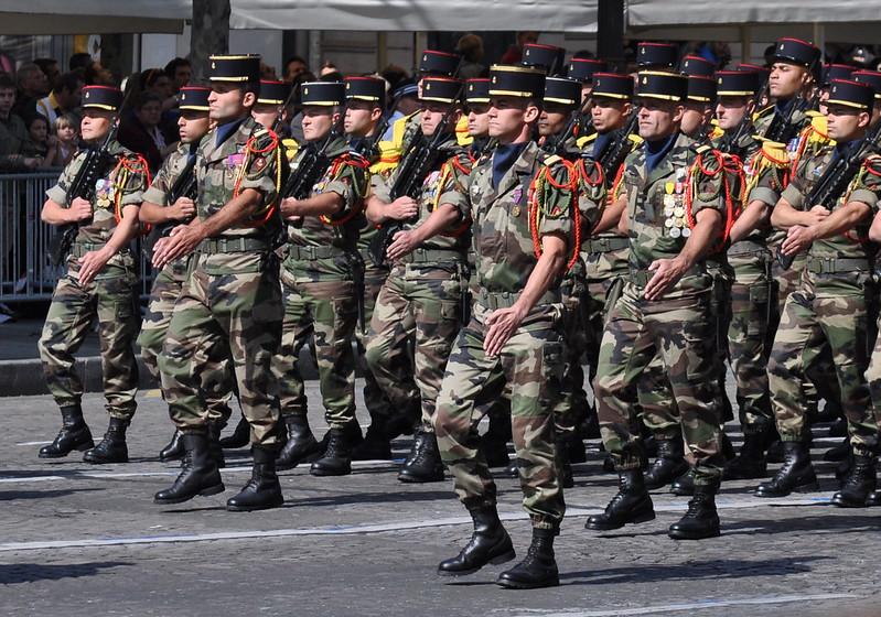 Militares franceses desfilando. Autor: copsademirer@yahoo.es ,14/07/2021. Fuente: Flickr (CC BY NC-ND2.0).