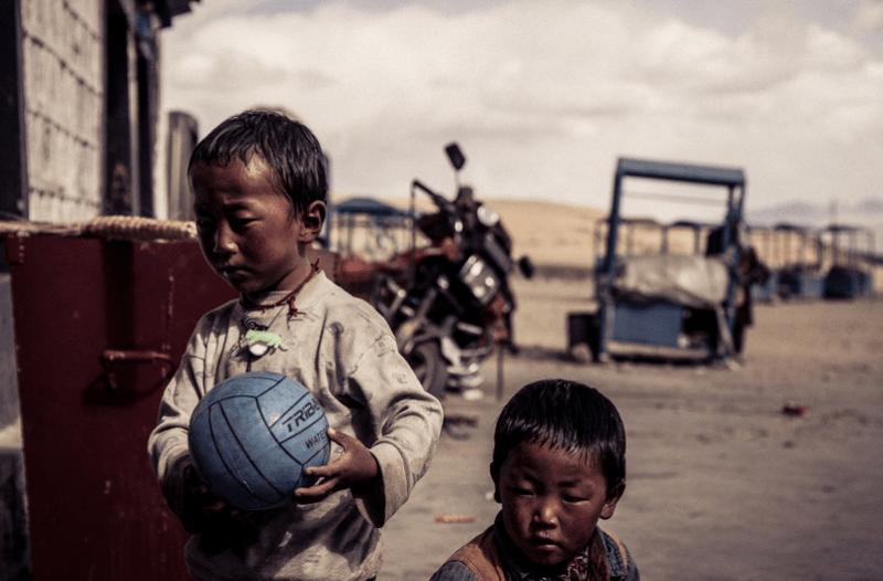 Muchos niños crecen en ambientes en los que la violencia y la crueldad están normalizados. Fuente: Pixabay
