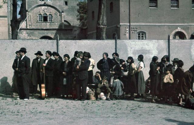 Deportación de gitanos en Alemania. Autor: Desconocido, 22/05/1940. Fuente: Bundesarchiv, Bild 244-48 (CC BY-SA 4.0)