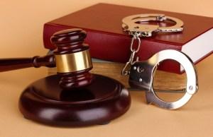 Supremo señala razones que justifican presentar cargos en ausencia de imputado