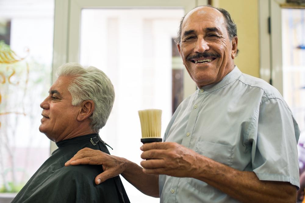 OAM exige al Colegio de Barberos eliminación de lista de precios