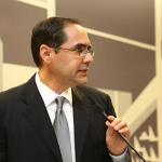 El Hon. Enrique Silva Avilés, Juez Superior, concentró su exposición en expresiones de Hernández Denton en aspectos de naturaleza apelativa.