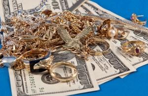 Impulsan medida que altera tasas de interés en casas de empeño