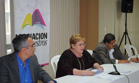 Asociación de Maestros presenta informe actuarial de Retiro