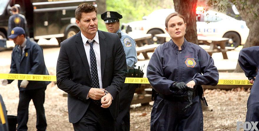 Protagonistas de serie «Bones» demandan a FOX por aprovecharse económicamente de ellos