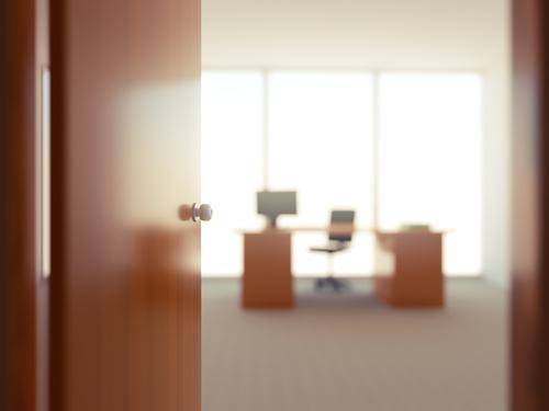 ¿Esperas abrir tu oficina de abogado? Cosas que debes pensar antes de hacerlo