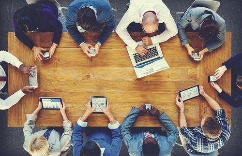 ¿Pensando en comenzar un negocio? Conoce las diferencias entre la Corporación y la Compañía de Responsabilidad Limitada