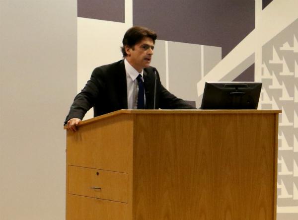Profesor y analista Carlos Díaz Olivo presenta libro de derecho corporativo