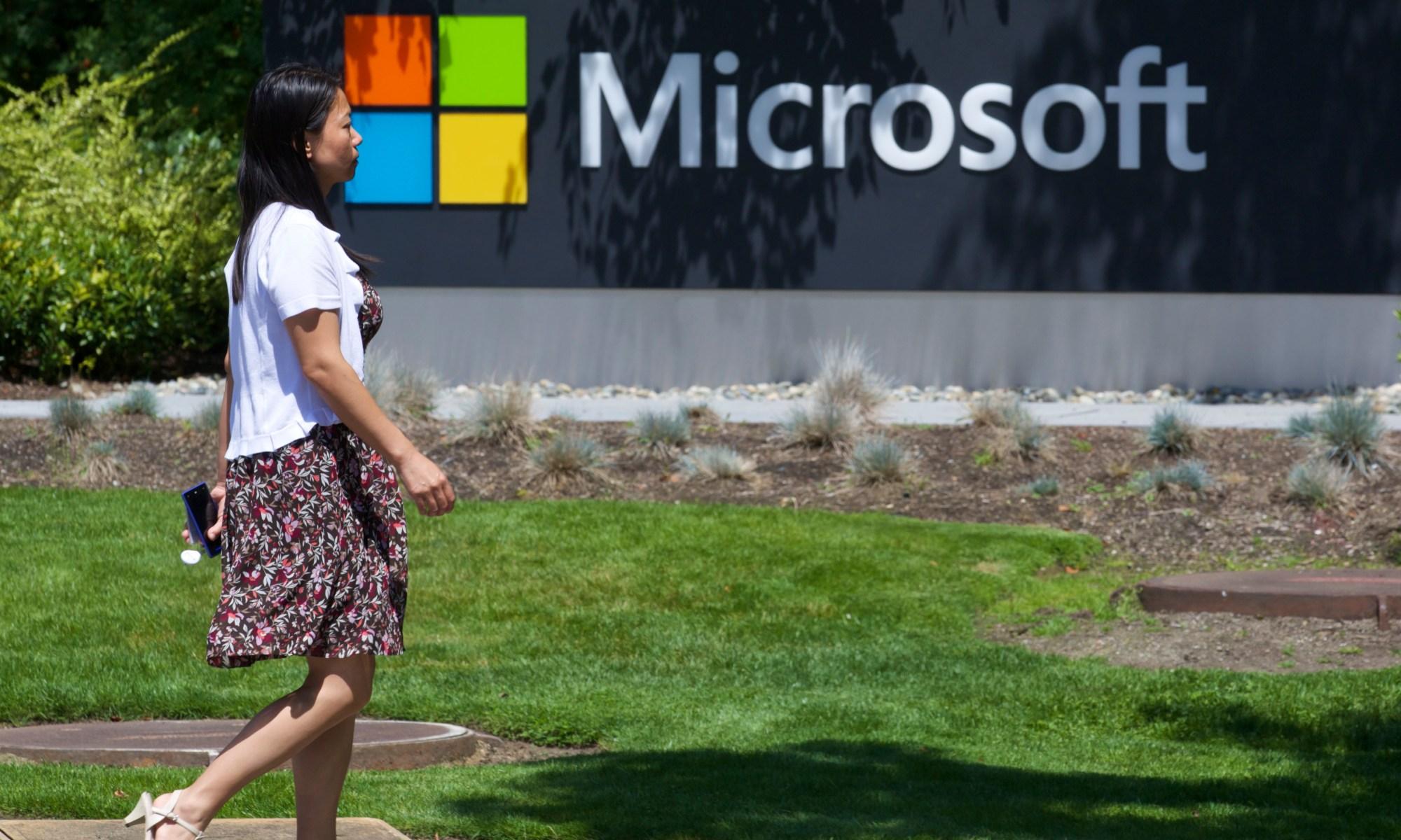 Microsoft se apunta victoria ante el FBI sobre investigación de privacidad de datos