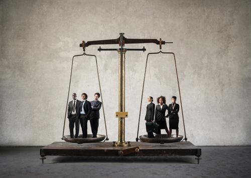 Organización de abogados se posiciona en contra de las expresiones sexistas en el tribunal