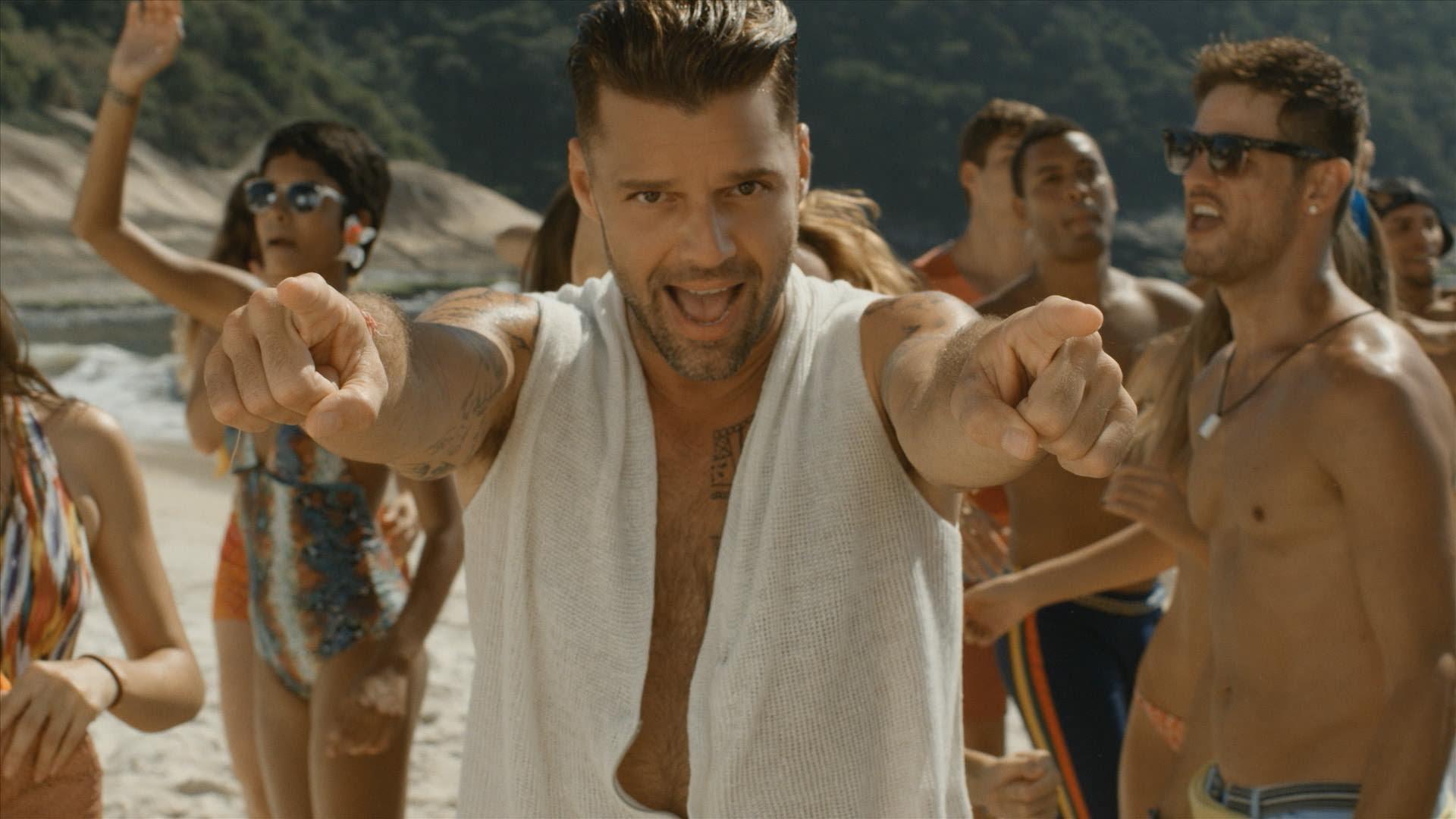 """Concursante alega que """"Vida"""" de Ricky Martin es similar a su sumisión a concurso de Sony; Boston confirma desestimación por acuerdo de arbitraje"""