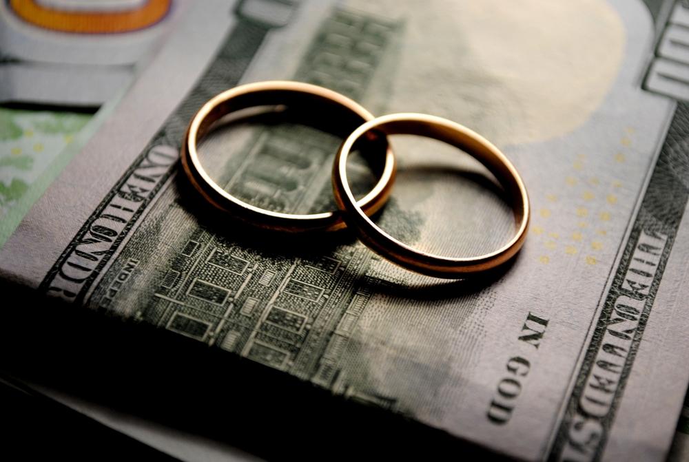 Tribunal Supremo: No se pueden vender bienes de la comunidad post ganancial sin antes dividirla - divorcio