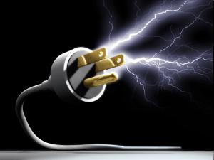 Hombre-muere-electrocutado-y-niño-al-caerse-de-una-silla-en-SDO-y-SC