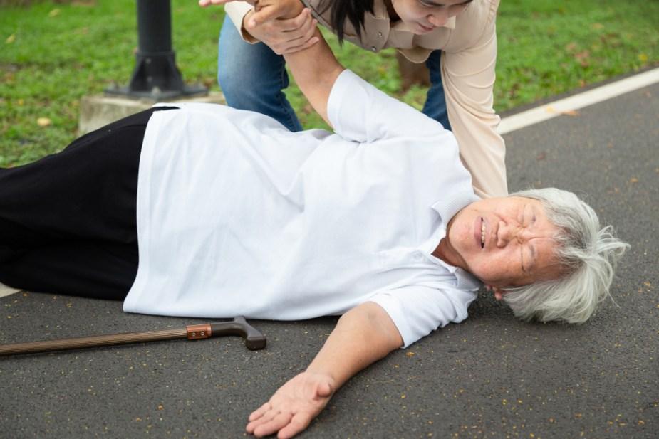 caida anciana