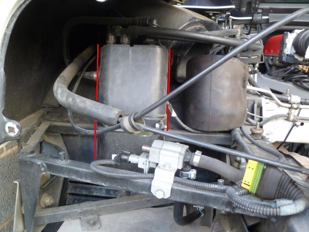 hight resolution of ferrari 360 fuel vapour canister