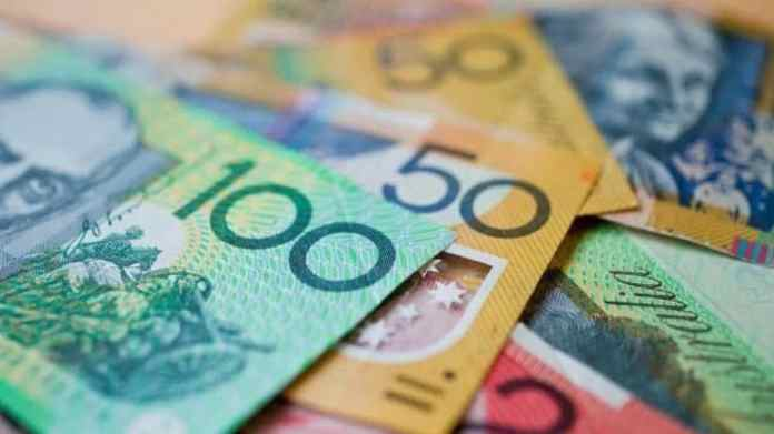 ANZ, Commonwealth banks slash savings rates