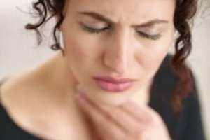 Beberapa Penyebab Radang Tenggorokan Dan Cara Mengobatinya