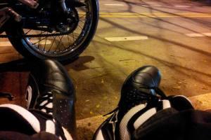 Sepatu Untuk Berkendara