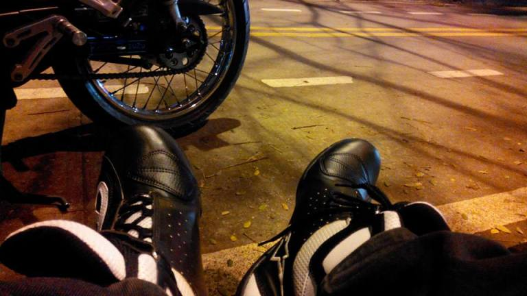 Sepatu Berkendara Kendaraan Roda Dua