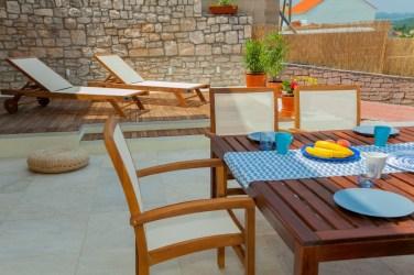 Frontyard terrace