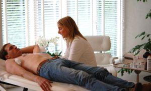 Dermatoloog Aleida Dijkstra behandelt tegen overmatig zweten en okselgeur met miraDry