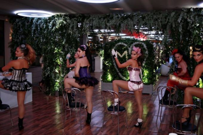 burlesque-performance-for-joint-bachelor-bachelorette-party