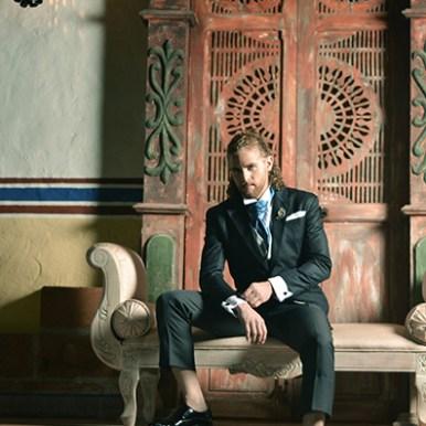 Julián Salazar en campaña de Mauricio Ramírez couture