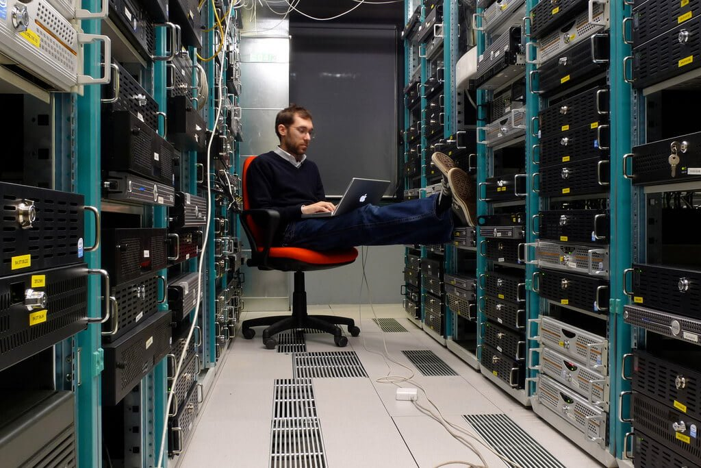 Бесплатные панели управления сервером