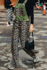 large_friday-fashion-fits-clashing-prints-and-how-to-style-it-fustany-ar-4~1