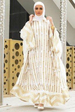 large_friday-fashion-fis-how-to-style-kaftan-with-clothes-in-ramadan-fustany-ar-12~1