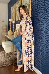 large_friday-fashion-fis-how-to-style-kaftan-with-clothes-in-ramadan-fustany-ar-15~1