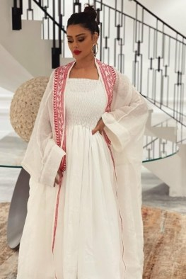 large_friday-fashion-fis-how-to-style-kaftan-with-clothes-in-ramadan-fustany-ar-19~1