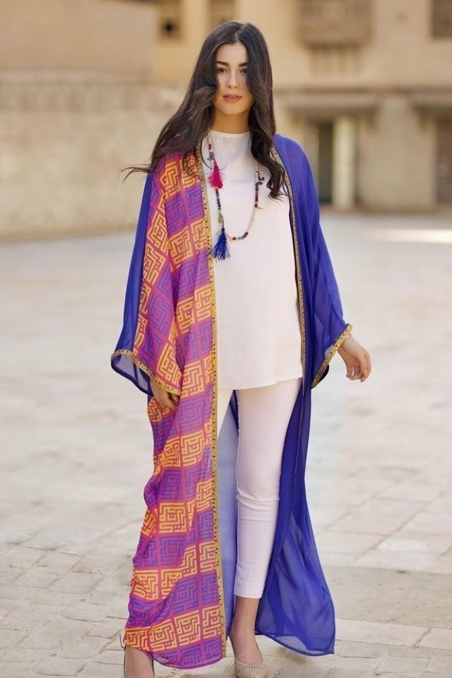 large_friday-fashion-fis-how-to-style-kaftan-with-clothes-in-ramadan-fustany-ar-3~1
