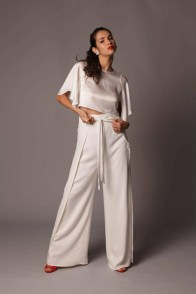 large_Fustany-9-Bridal-Engagement-Looks-That-Are-Not-Dresses-14~1