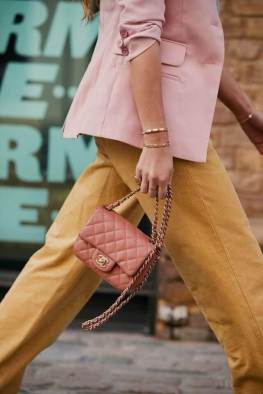 large_Fustany-fashion-accessories-how-to-style-evening-shoulder-bags-11~1