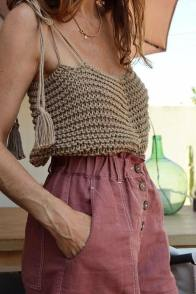 large_fustany-fashion-style-ideas-how-to-wear-crochet-outfit-ideas-10~1