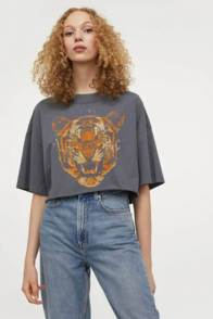 large_Fustany-How-to-Wear-and-Style-the-Graphic-Tee-From-H_M-13~1