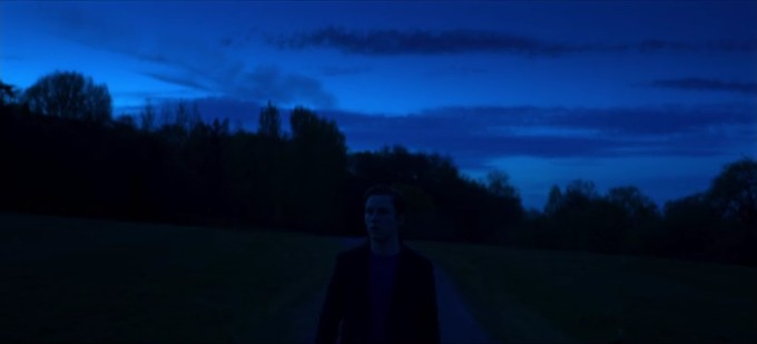 Black Mirror 4.04 cena 1