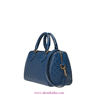 Gucci_Canta-_Light-Soft-Gucci-Signature-top-handle-bag-1