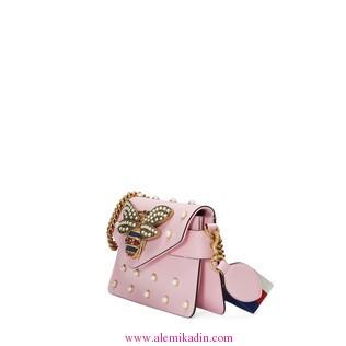 Gucci_Canta_Light-Broadway-leather-mini-bag-1
