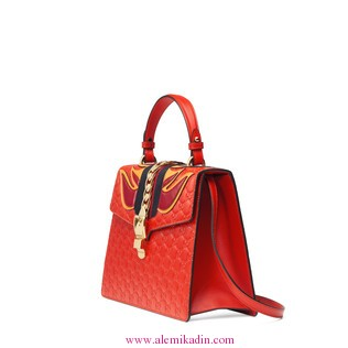 Gucci_Canta_Light-Sylvie-Gucci-Signature-bag-1