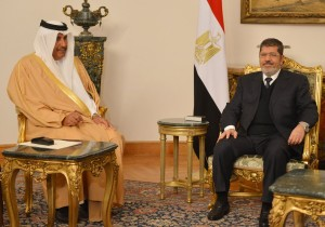 Rencontre entre Cheik Hamad bin Jassim bin Jabor al-Thani et le président Morsi.