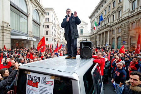 Maurizio Landini, FIOM, entre l'équilibre instable et le «front social»
