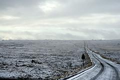 L'Islande, à la fois froide...