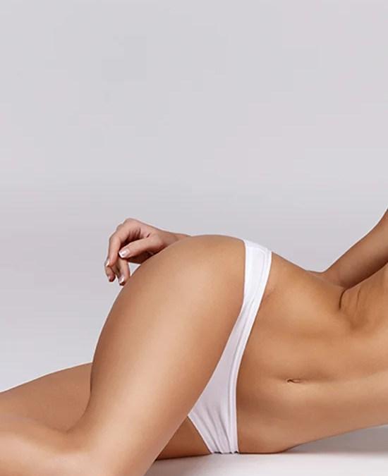 Kvindekrop i hvidt undertøj