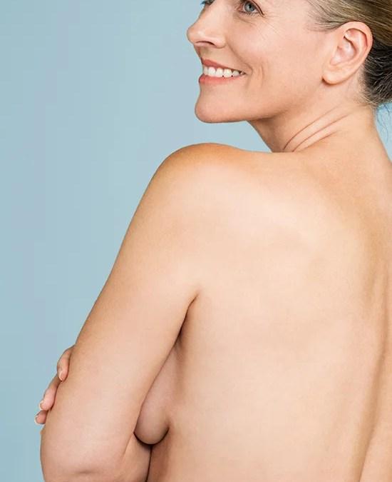 Kvinde med bar ryg