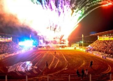 Show dos Barões da Pisadinha abre 1º evento de grande porte e com público presencial em Cacoal, RO