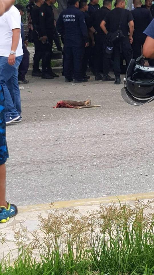 Siete muertos, entre ellos dos policías al ser arrollado por un trailer en La Pochota WhatsApp Image 2018 06 20 at 17.38.442