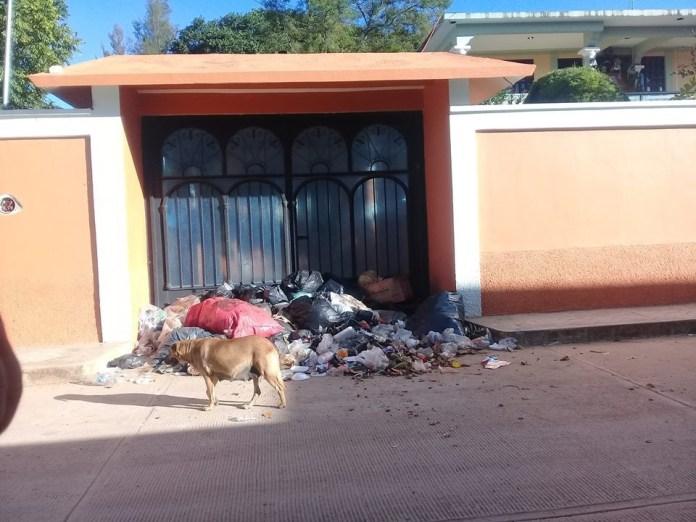 Las Margaritas envuelto en problemas de agua y basura f10591de 033c 4228 9768 1108ee8e3e19